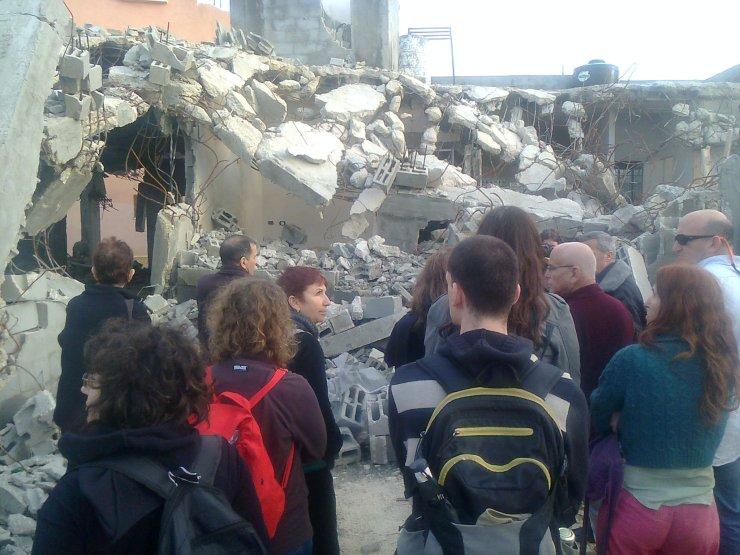ביקור תמיכה בבית שהצבא הרס בכפר חארס - איכויות הלב לא משנות את המצוקה הגדולה
