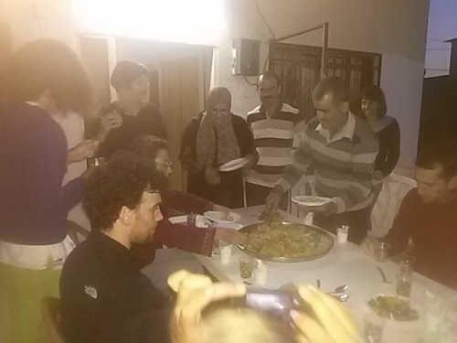 ארוחת ערב אצל משפחת מנצור