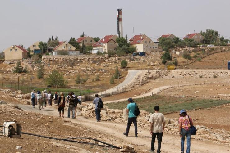 סיור קודם בדרום הר חברון - הולכים בין כרמל לאום אל-חיר